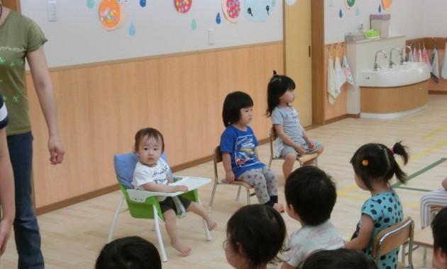 第2園の乳児部さんの誕生会のようす