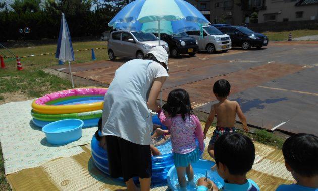 第1園すみれ、ばら組のプール遊び